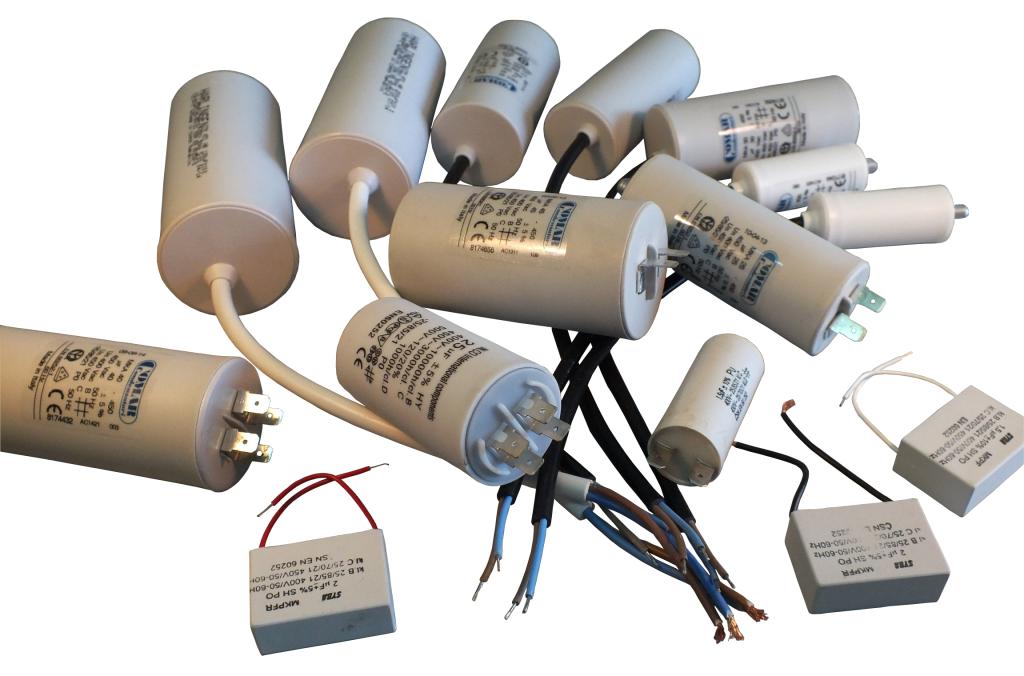 Kondensatory prądu zmiennego, różne rodzaje, przedziałowe rozruchowe, do pracy, z przewodem, z konektorami, kostkowe