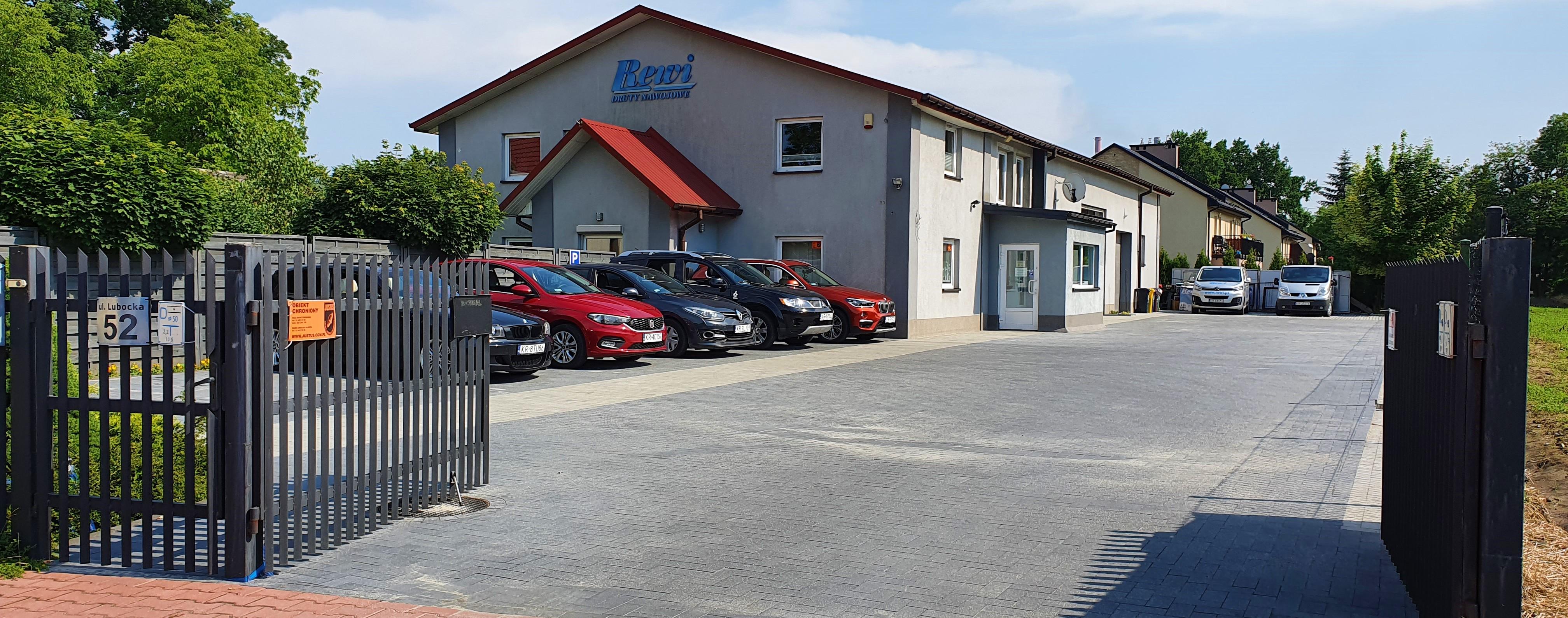 Budynek hurtowni Rewi w Krakowie, hurtownia druty nawojowe, materiały elektroizolacyjne, części do silników elektrycznych, części do elektronarzędzi, hala z parkingiem,